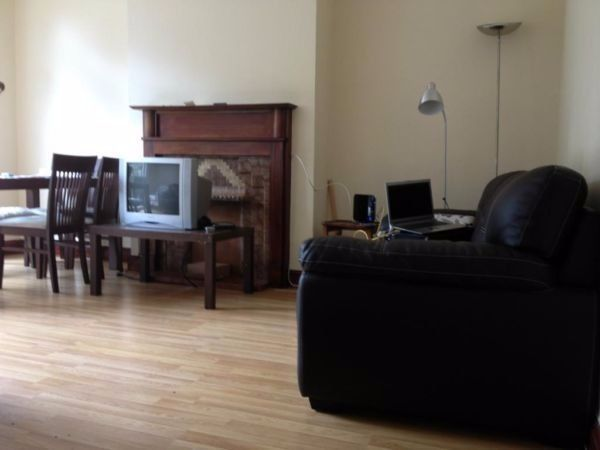 Very large double room, available now,must see!!!