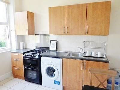 ZONE 2 MANOR HOUSE - PICCADILLY LINE (15 minutes to KING'S CROSS): CHEAP SINGLE ROOM TO RENT NOW
