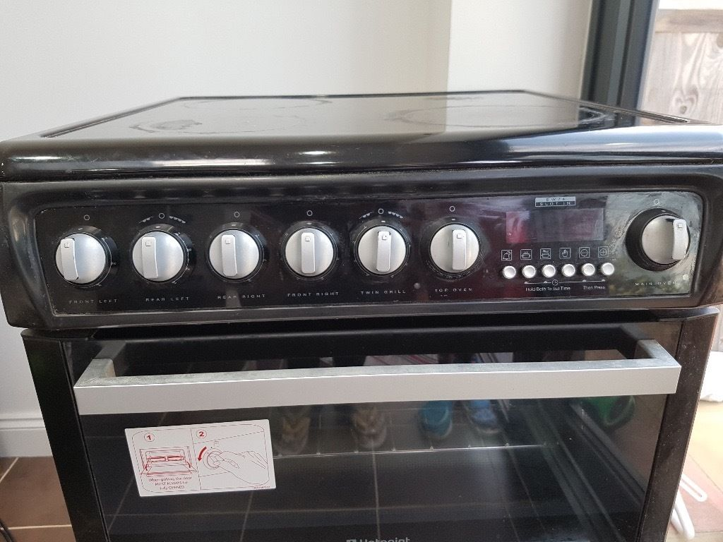 Hotpoint Electric cooker in excellent condition