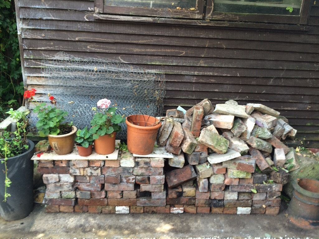 Free used bricks