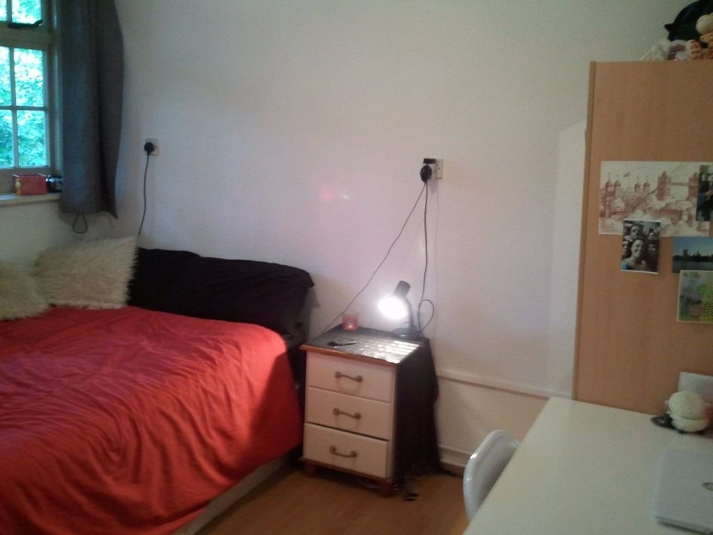 Double Room in Bow/Mile End E3 Roman Road Market