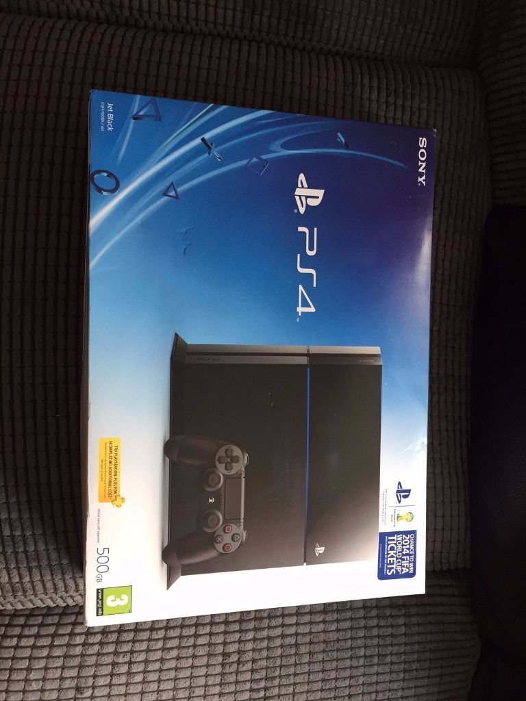 PS4 500GB black, Great condition, box, 3 games