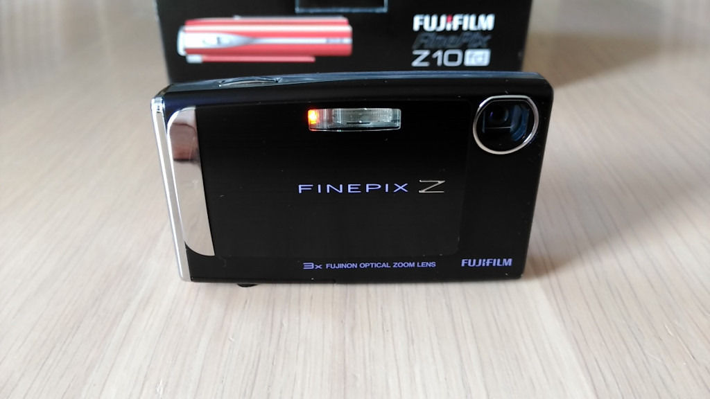 Fujifilm FinePix Z10fd Digital Camera, Memory Cards & Accessories