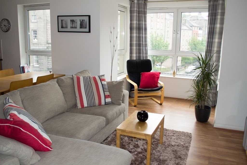 Short term - Double Room in modern Leith flat