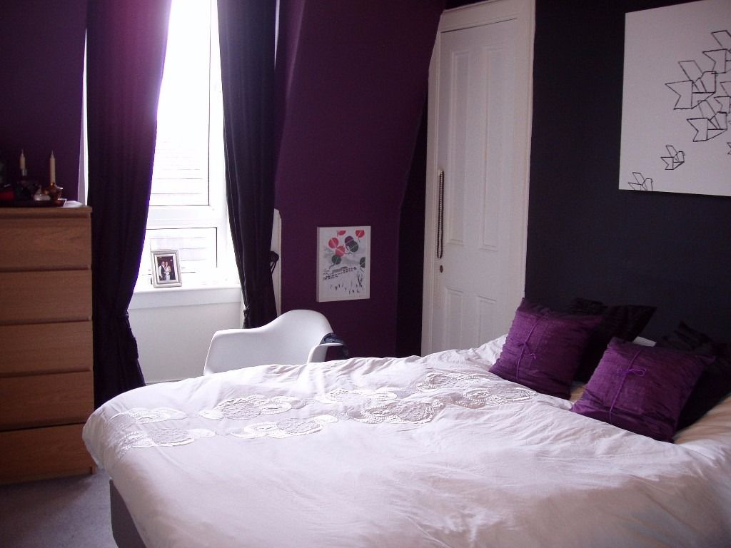 Room for rent in beautiful two bedroom flat