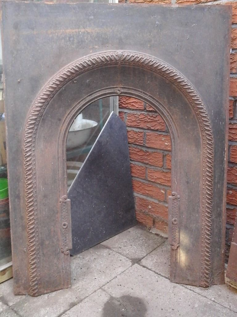 CAST IRON ANTIQUE FIREGRATE