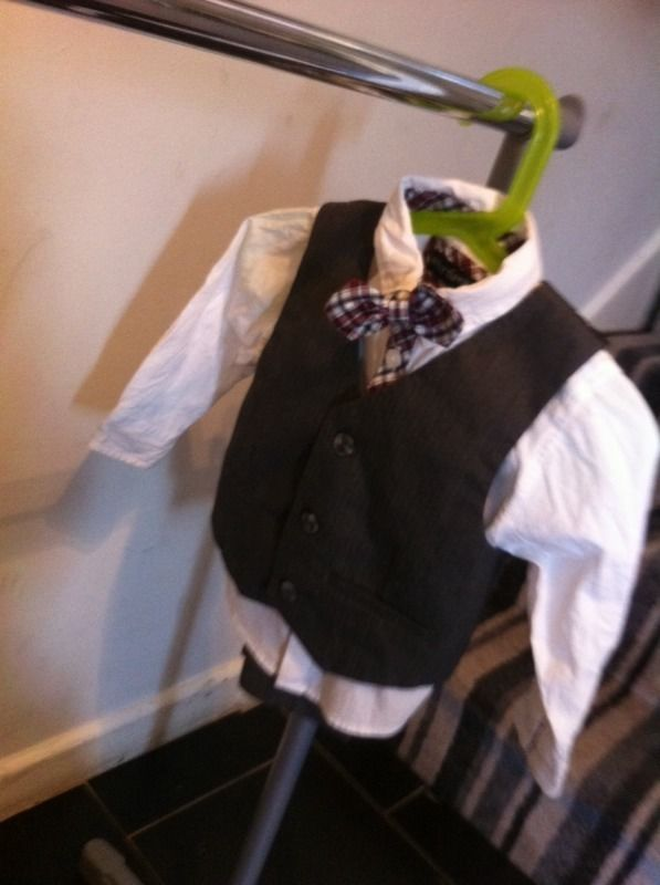 Baby boys suit 12-18 months