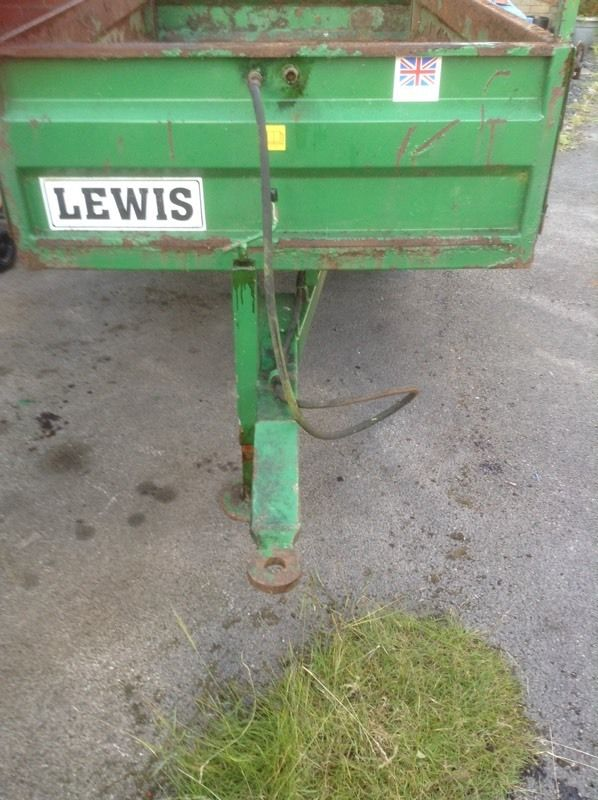 Lewis tipping trailer 1 .25 tons
