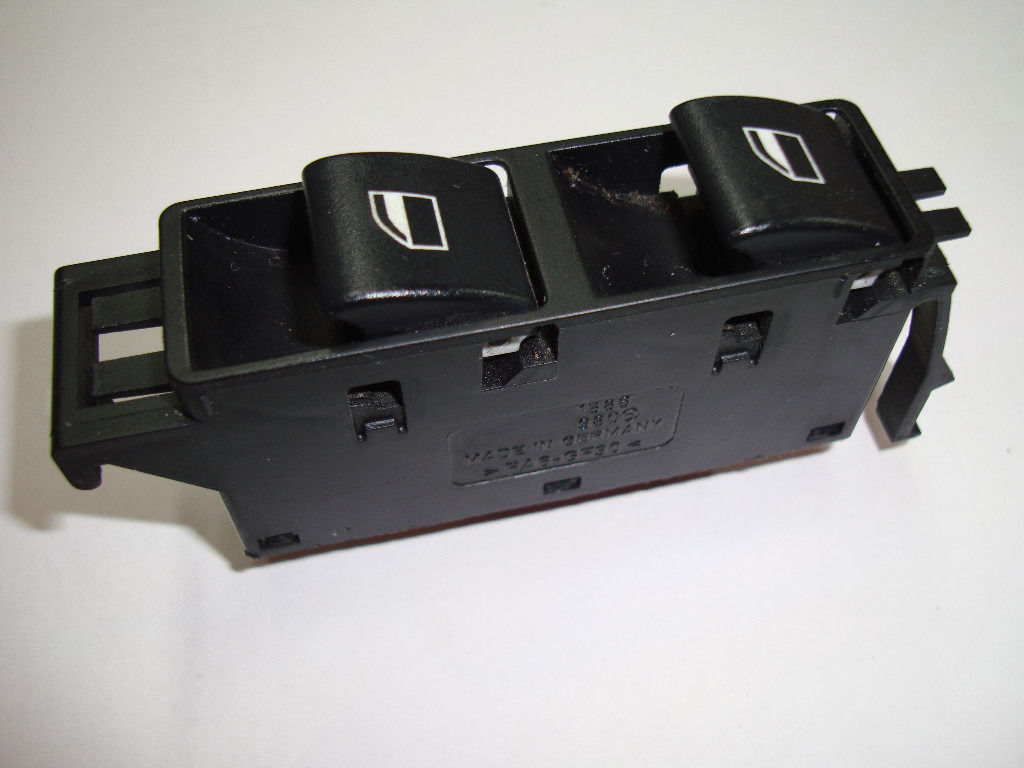BMW E46 passenger side electric window switch 6131 6902178