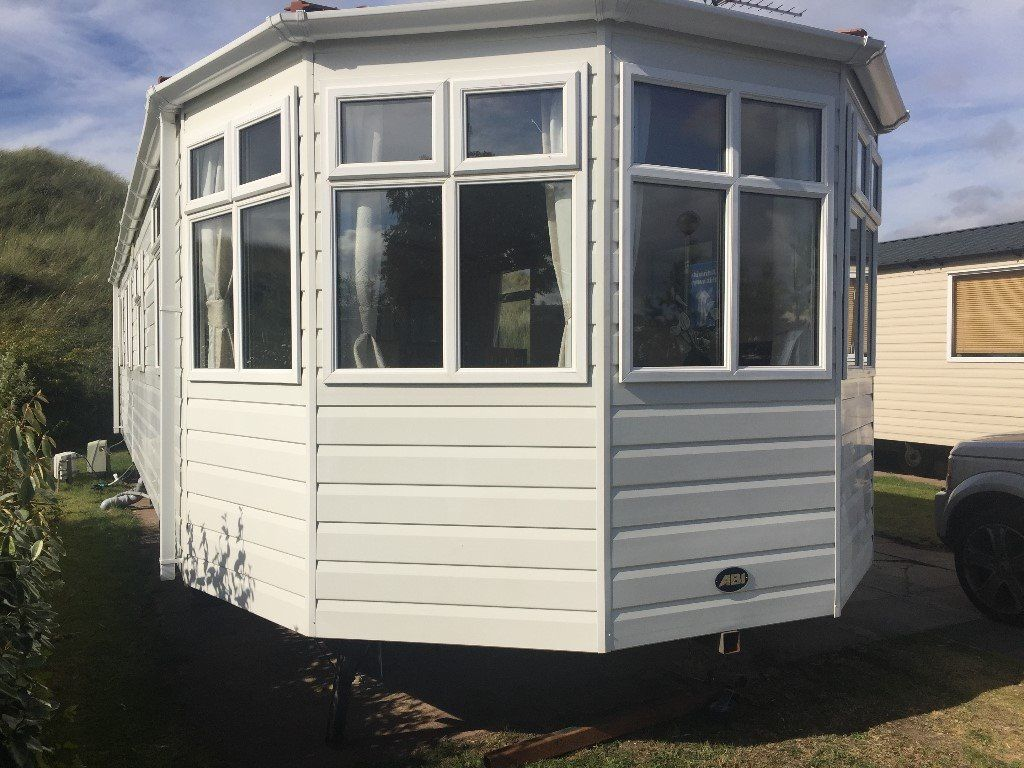 8 BIRTH CARAVAN FOR HIRE( PRESTHAVEN SANDS NORTH WALES)