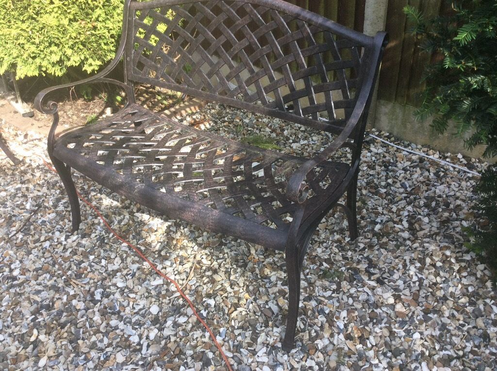 LAZY SUSAN BLACL ALUMINIUM LATTICE DESIGN 2 SEATER BENCH, GOOD CONDITION