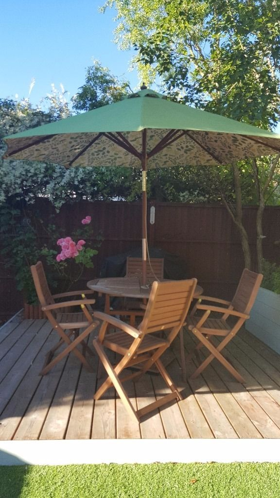 Garden Furniture Matching Set - round table, 4 chairs, cushions, parasol and stand
