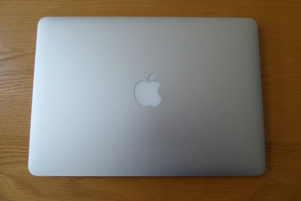 MacBook Pro Retina 13-inch (Mid 2014) - 8GB, Intel Core i5 2.7GHz - Original Box, Good Condition