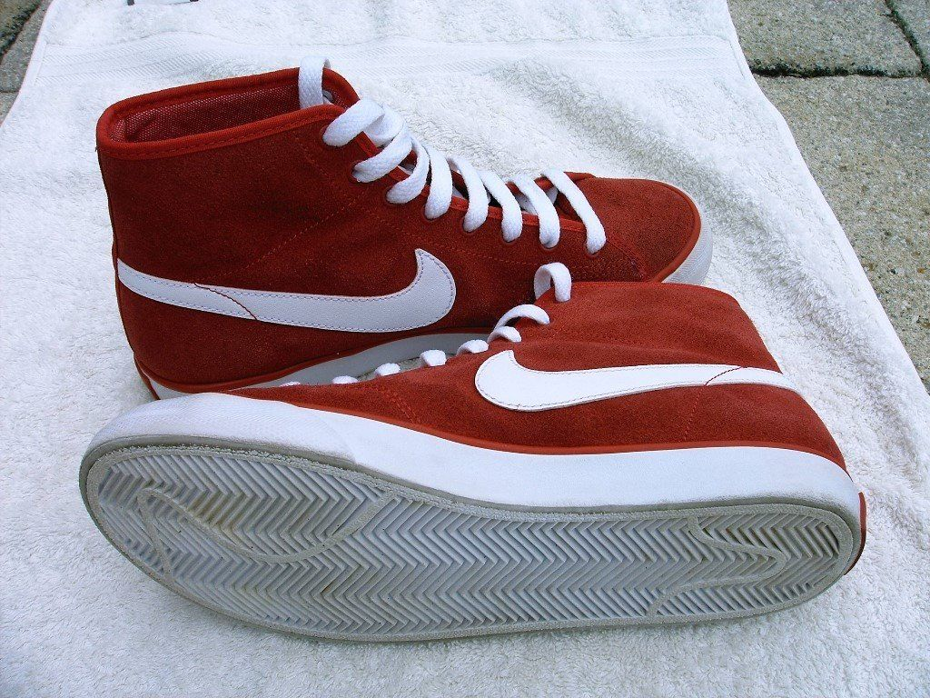 Nike Trainers Red UK Size 5 In Box