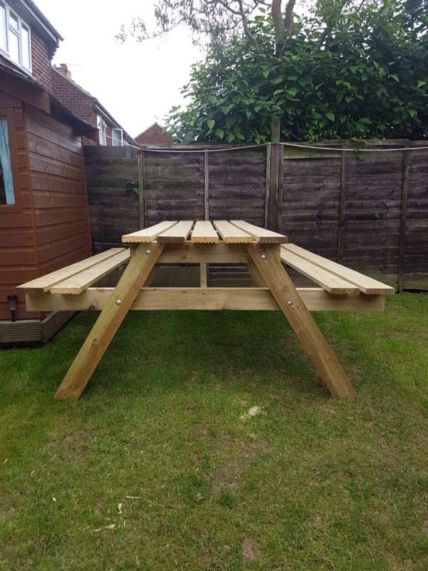 Picnic bench/pub table