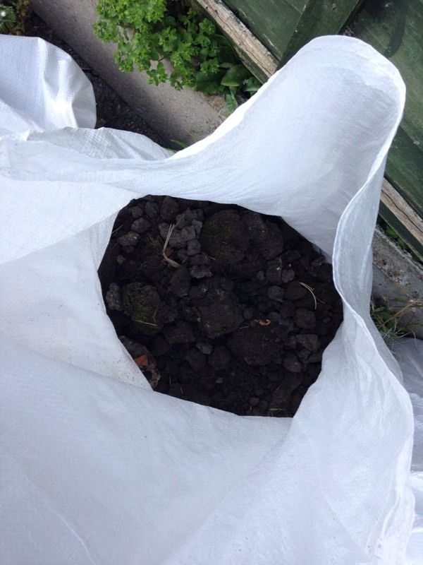 Free to collector - Bags of top soil ??