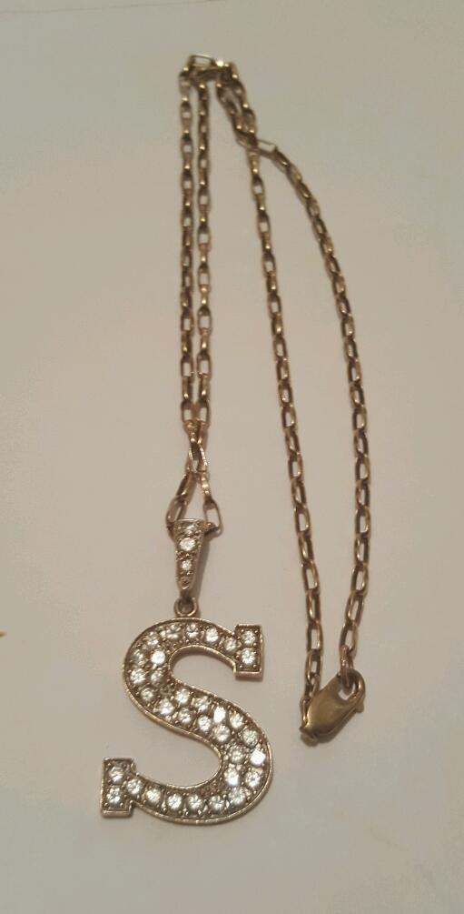9ct Gold Diamond S with 9ct Gold Chain