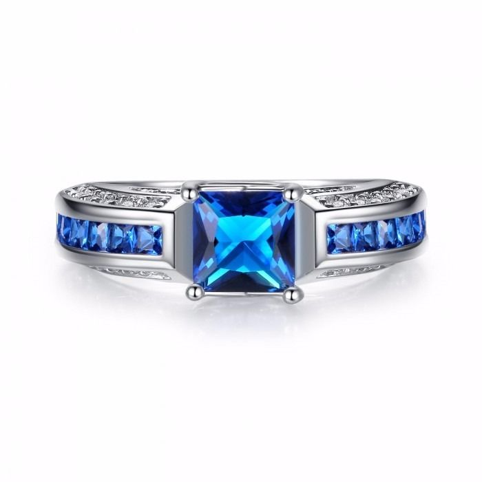 2.5 CARAT BLUE SAPPHIRE PRINCESS CUT 10K WHITE GOLD RING SET