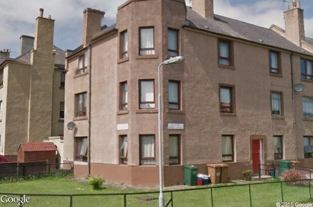2 double bedroom 2nd floor flat with garage North Edinburgh EH5 swap for a 2 bed ground floor flat