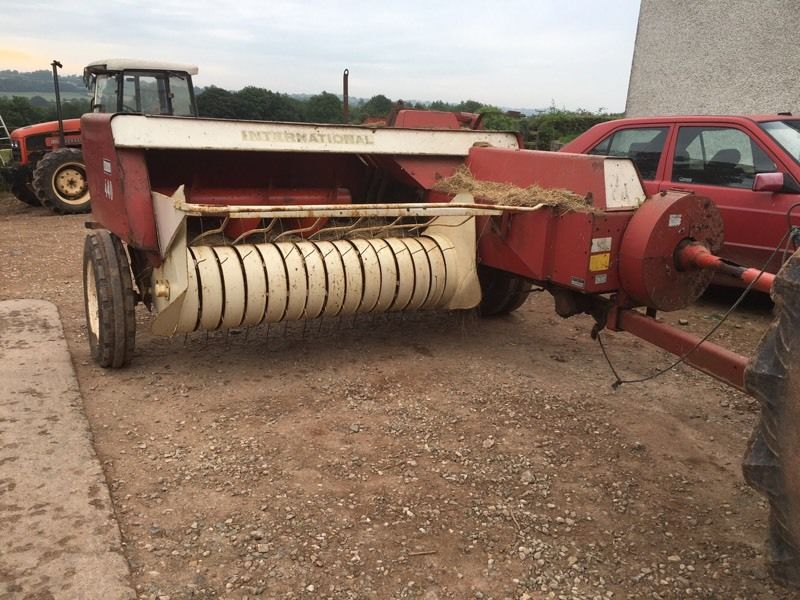 International 440 baler for sale ( repair parts or breaking )