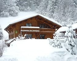 Chalet Hosts and a Chalet Assistant for winter season in Morzine, France