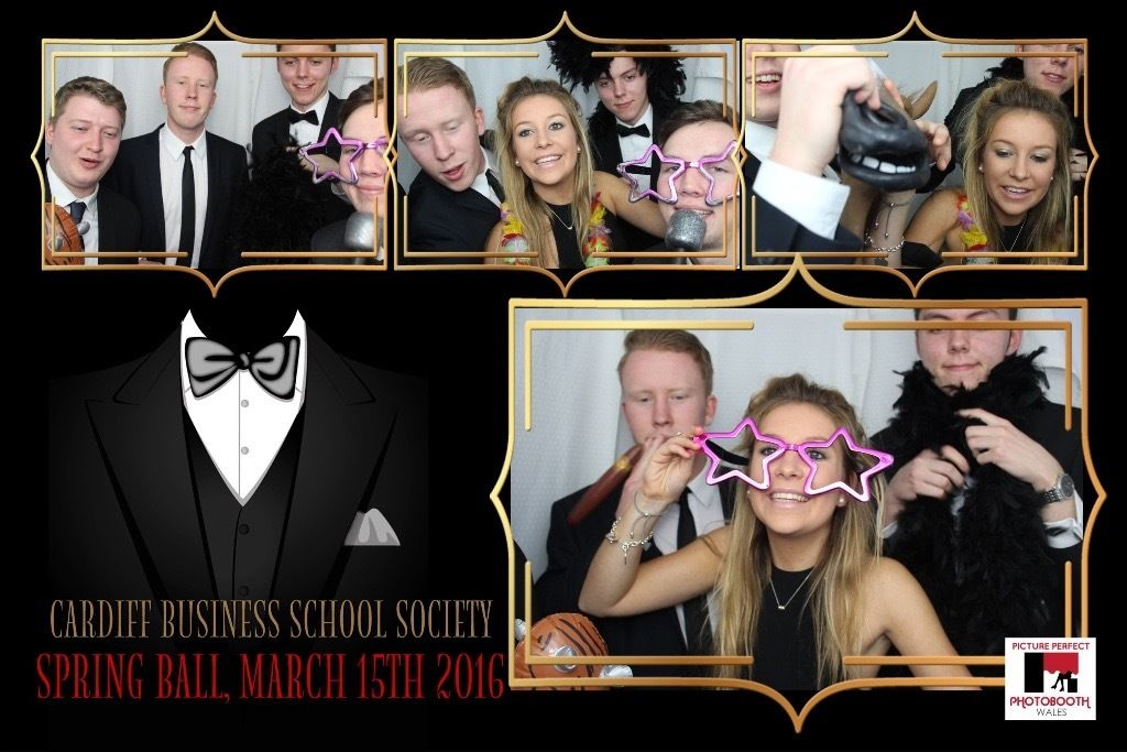Photo Booth Managers Required