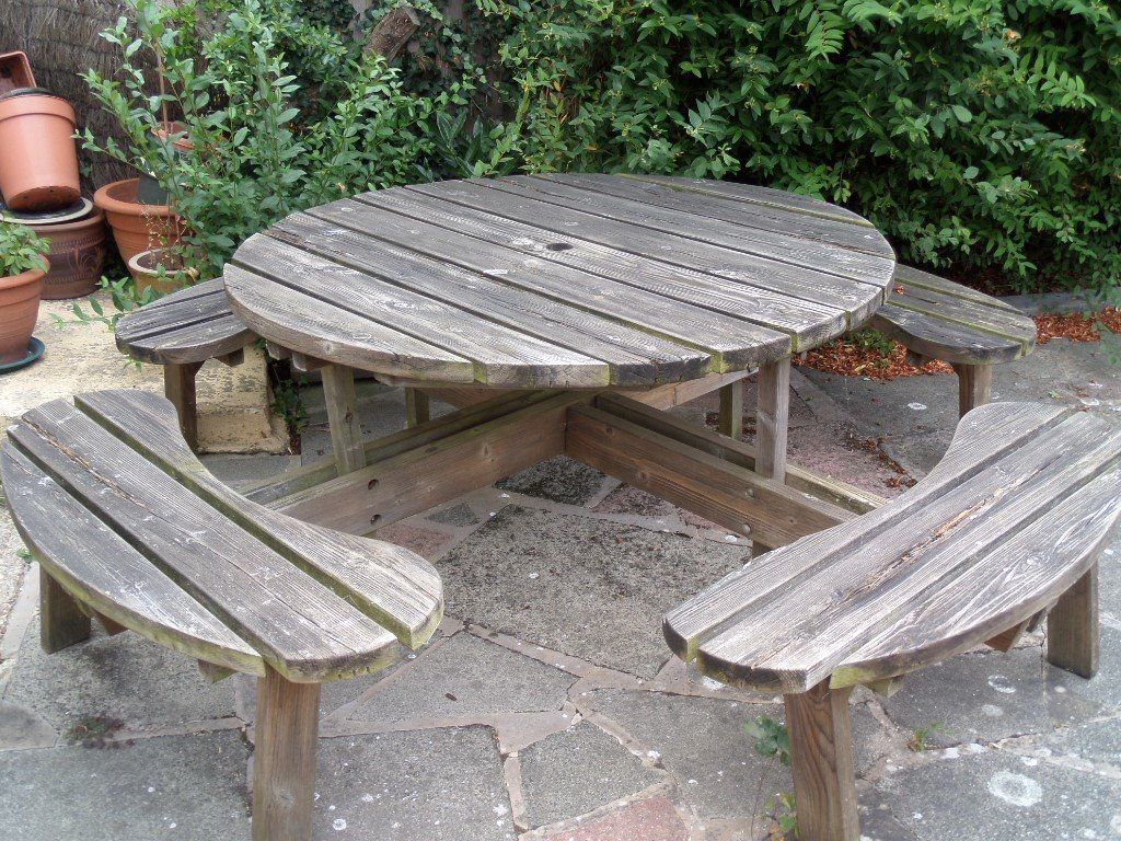 8 seater garden table and benches