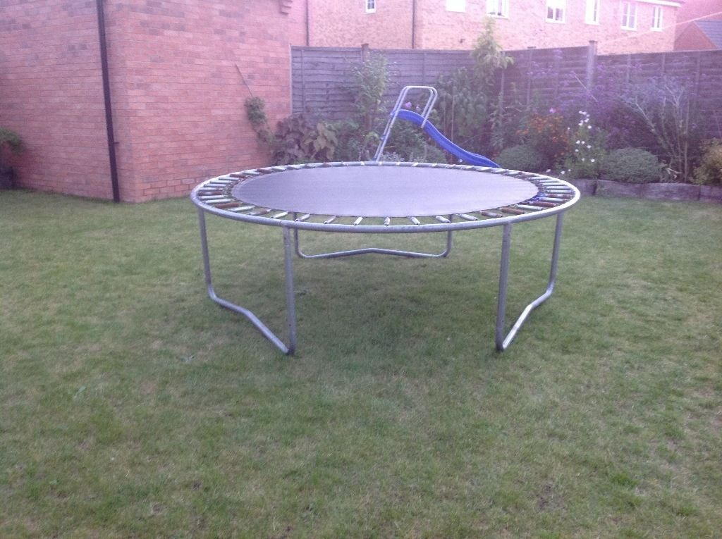 8 foot plum trampoline