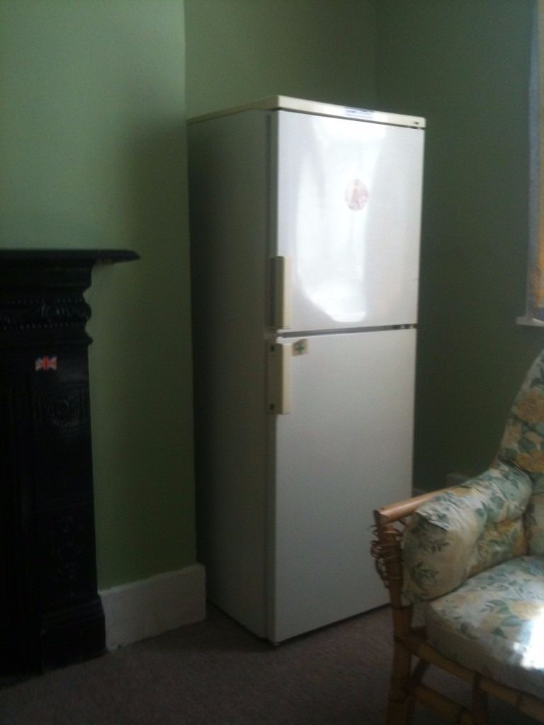 Large single room in house share 5 minutes from the Pentagon and bus stations
