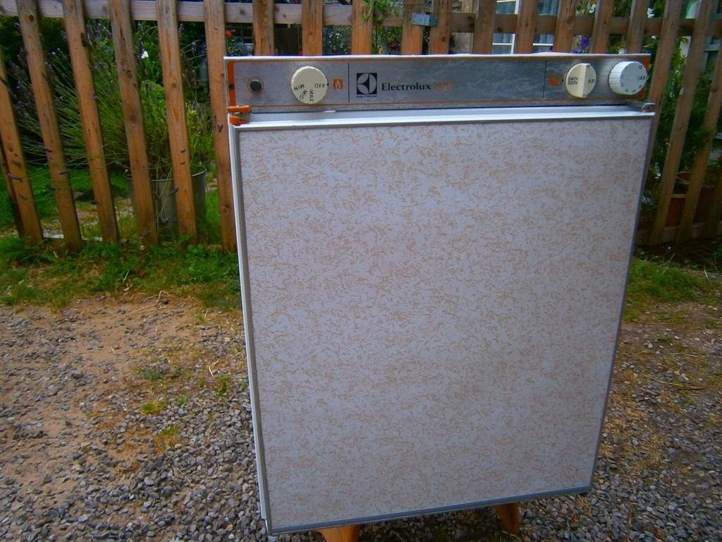 electrolux 3 way caravan fridge 212b