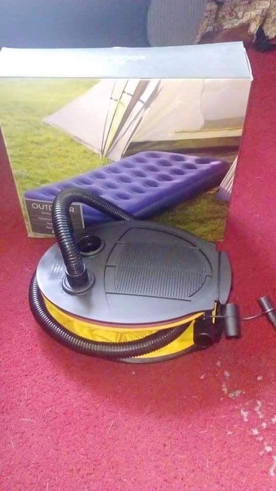 Single Airbed with pump