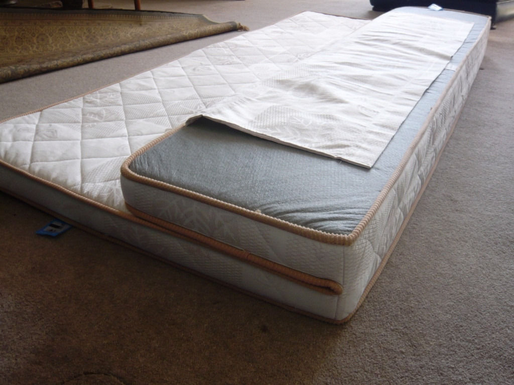 Folding motorhome mattress