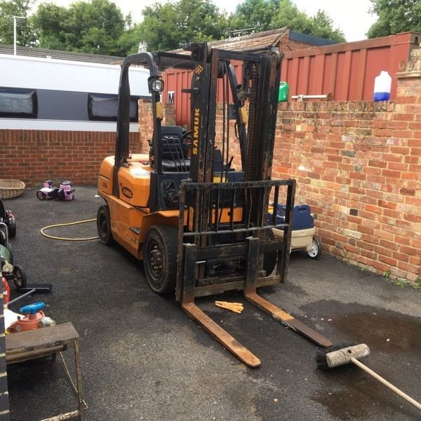Samuk r25d two and half tone diesel forklift truck excellent condition w