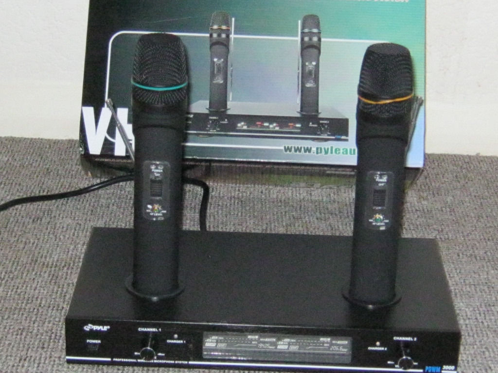 DUAL rechargable Wireless Microphone system brand new, never used, boxed