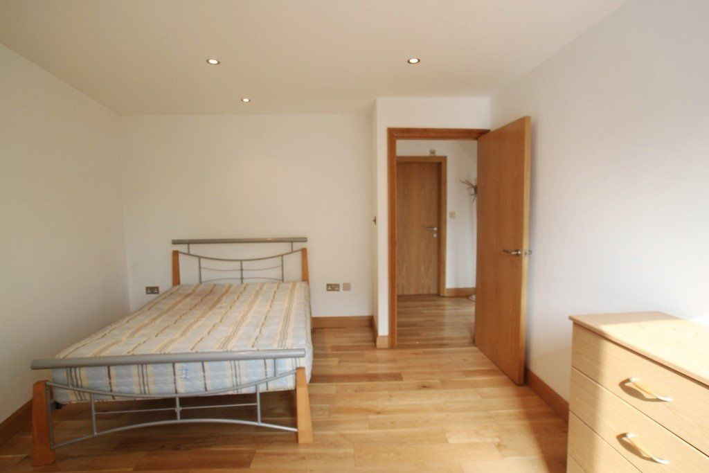 N. Amazing Double room in Farringdon area GIANT ROOM *all bills incl*