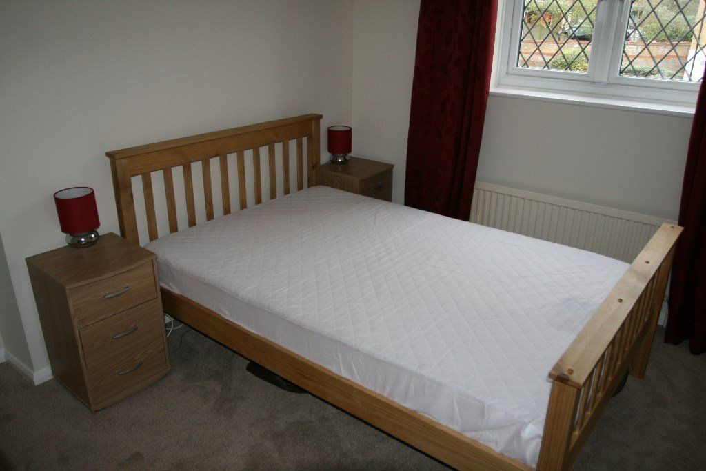Lovely bright sunny double room… possible Monday to Friday Let :-)