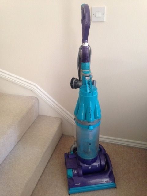 Used Dyson DC07+ (missing hose)
