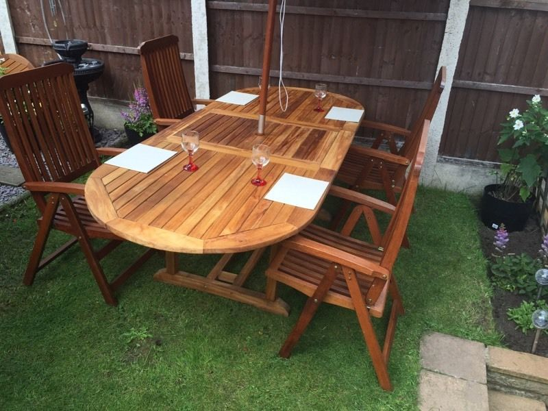 Teak Extendable Table, 4 Fully Reclining Quality Chairs & 3 Metre Parasol With Cover