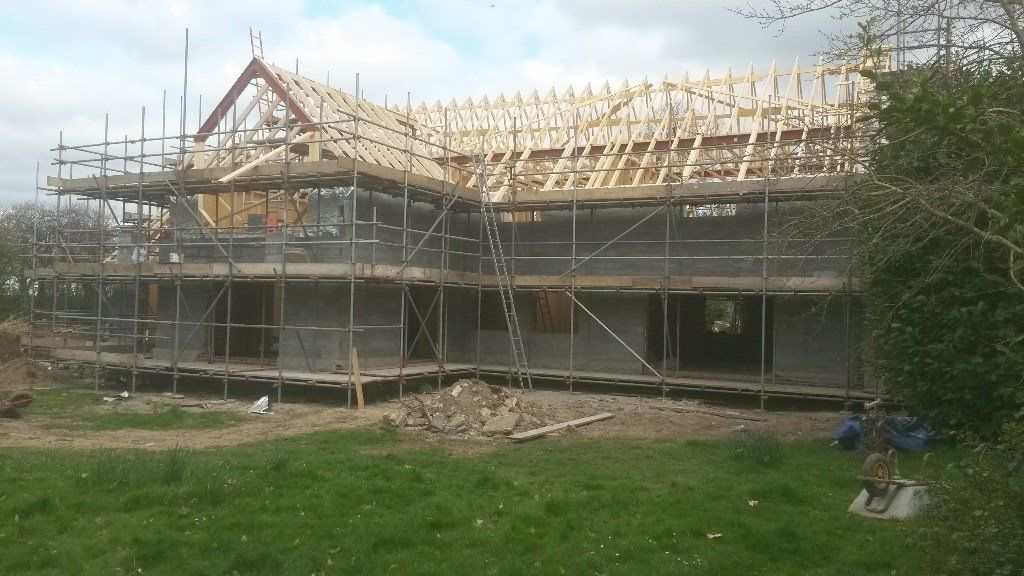 Builder/Bricklayer wanted for immediate start.