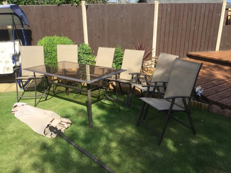 Quality Patio Table & 6 chair Set