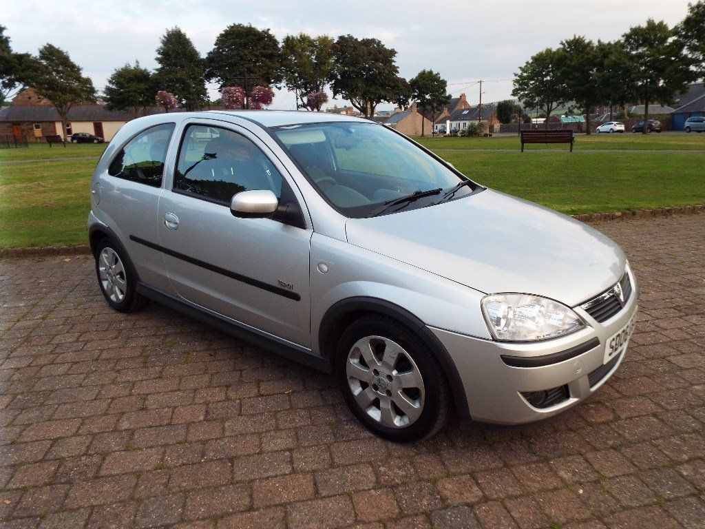 2006 / 06 plate Vauxhall Astra 1.2 SXI 16V twinport, 3 DR , Silver , 93000 miles, good MOT