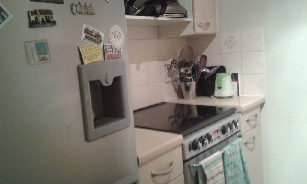 Double room in 2 bed flat, All bills/C.Tax inc. Whiteinch/Thornwood G11