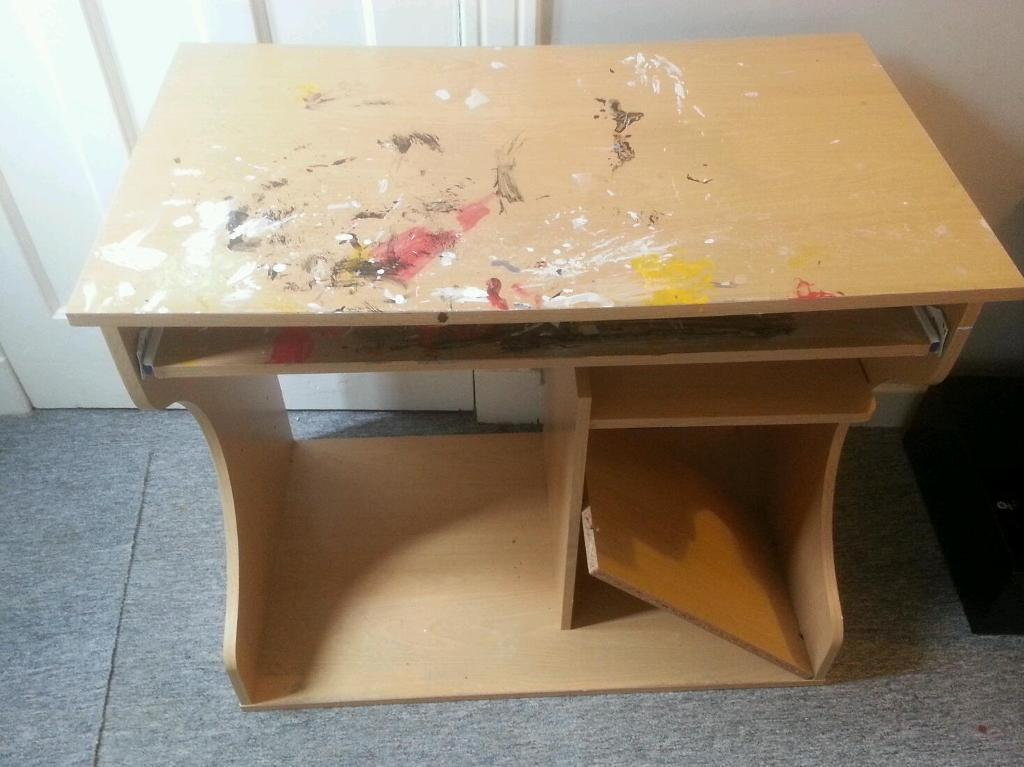 Free! Table / Desk with retractable tray