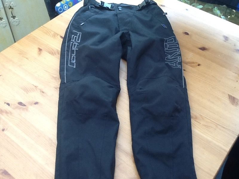 Gents Akito armoured motorcycle trousers.
