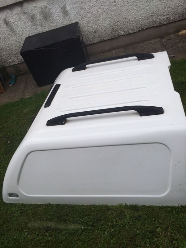 Double cab pickup canopy