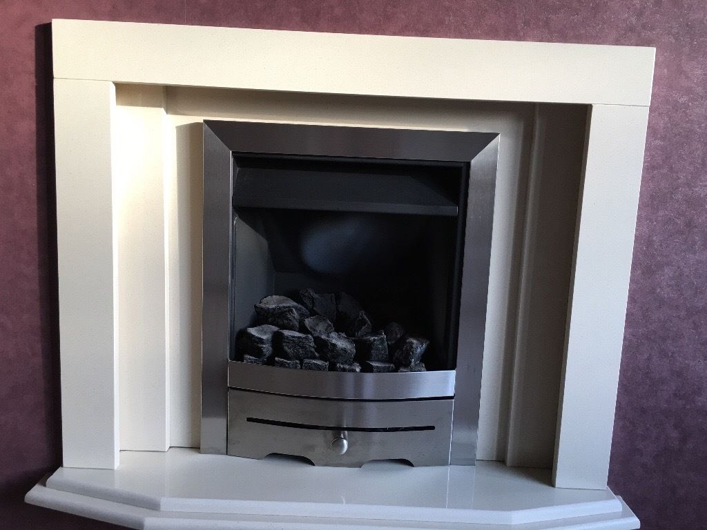 Stone fireplace in excellent condition in full working order. must be swen! First go see will buy!!