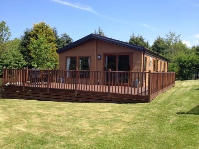 LUXURY LODGE FOR SALE -( STATIC CARAVAN IN NORTH WALES)- SNOWDONIA- INCLUDING DECKING- NEAR ANGLESEY