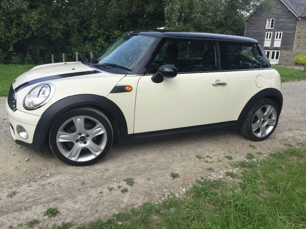 Mini Cooper D hatchback, low mileage, immaculate condition