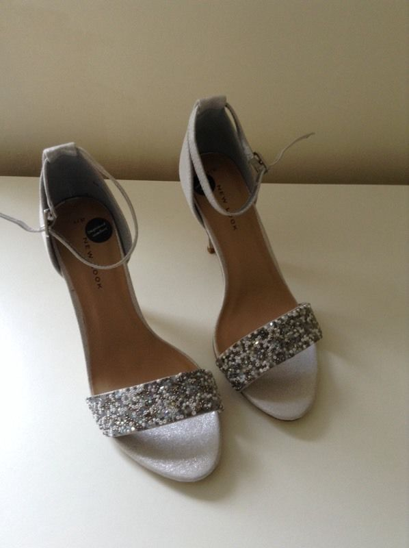Silver bridal / bridesmaid shoes *Brand New, Unworn*