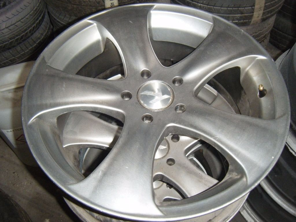 NISSAN SKYLINE KAHN ALLOYS LIKE NEW AND FORD FOCUS 5 STUD ALLOYS CHEAP